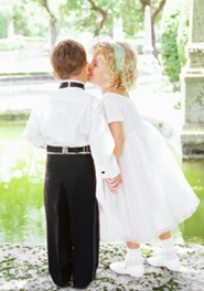 flower girl kissing ring bearer