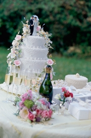 wedding cake on bridal table